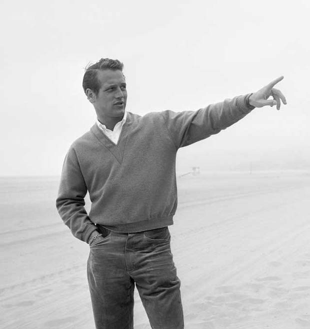 Paul Newman, showing that even casual trousers, worn above the hips are more flattering than those worn below